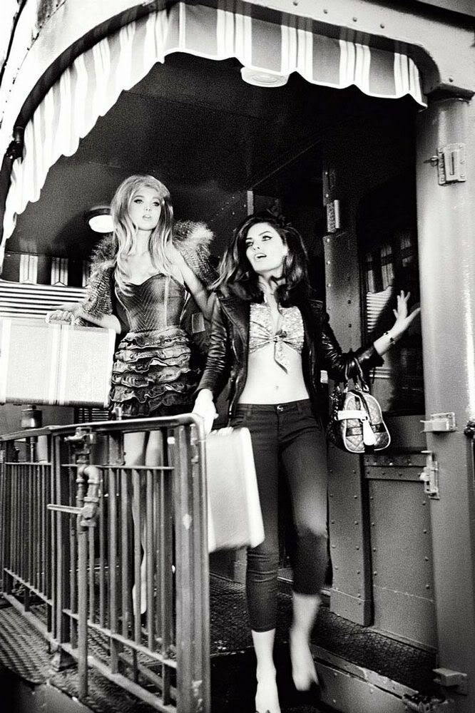 Guess Fall 2010 Campaign