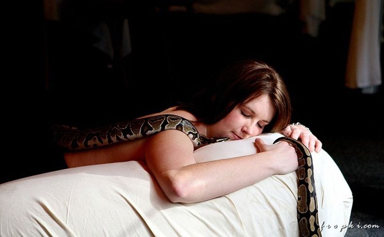 Want a Relaxing Massage by Snakes