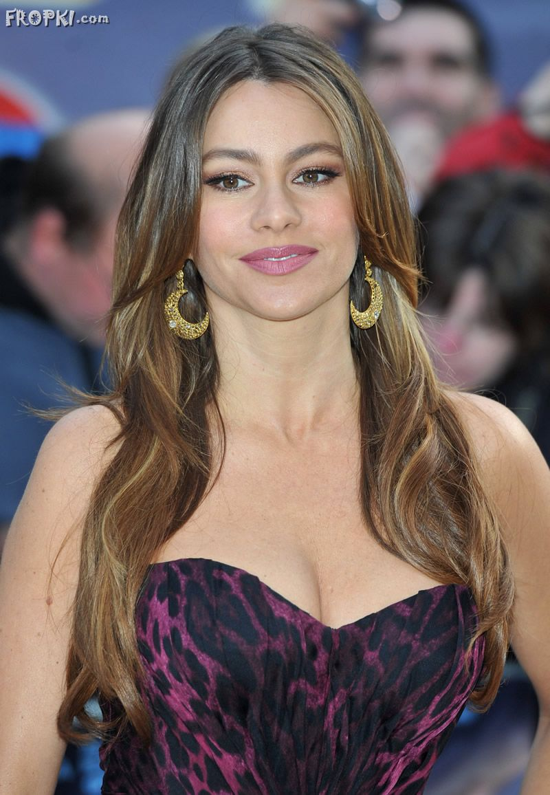 Sofia Vergara looks Younger without Straps