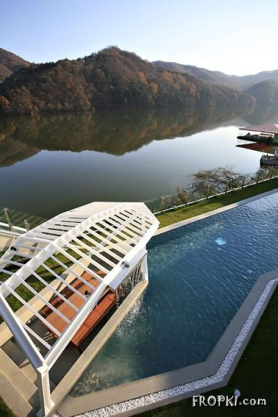 World's Most Beautiful Pools