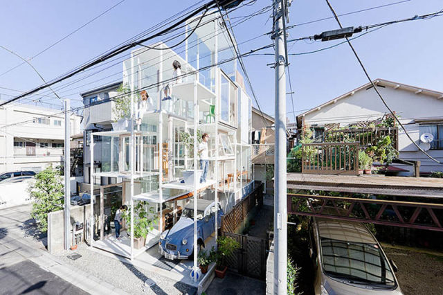 Tokyo Couple lives in Completely Transparent House