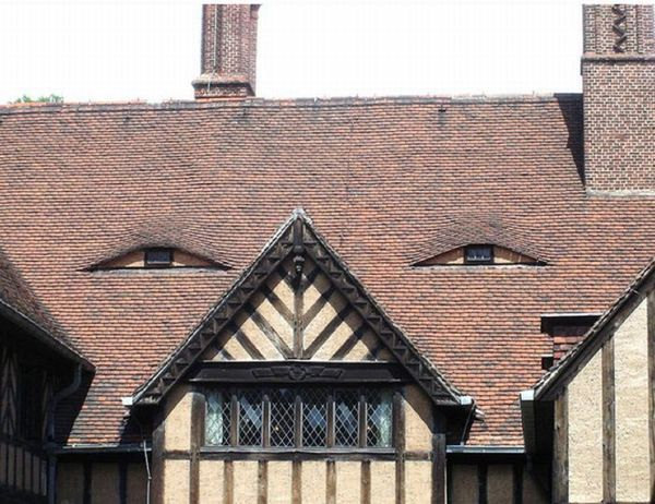 Building with Facial Expressions