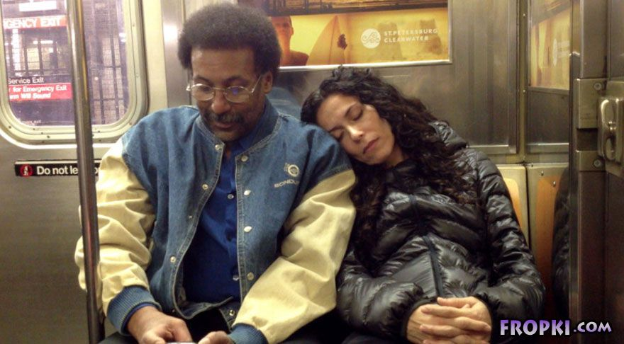 How People React When Strangers Fall Asleep On Them