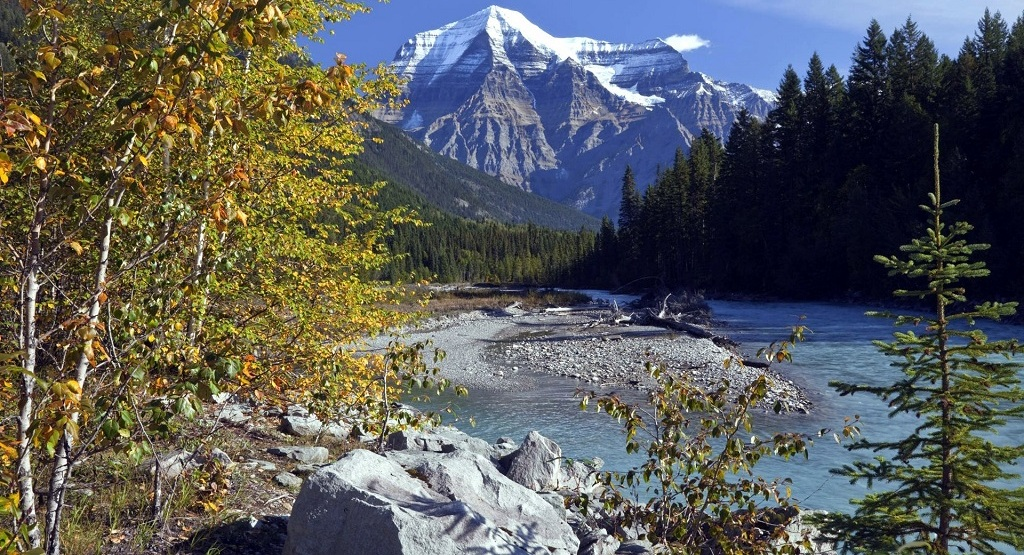 Gorgeous Rivers and Mountains