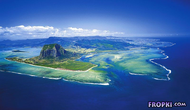 'Underwater Waterfall' Illusion at Mauritius Island