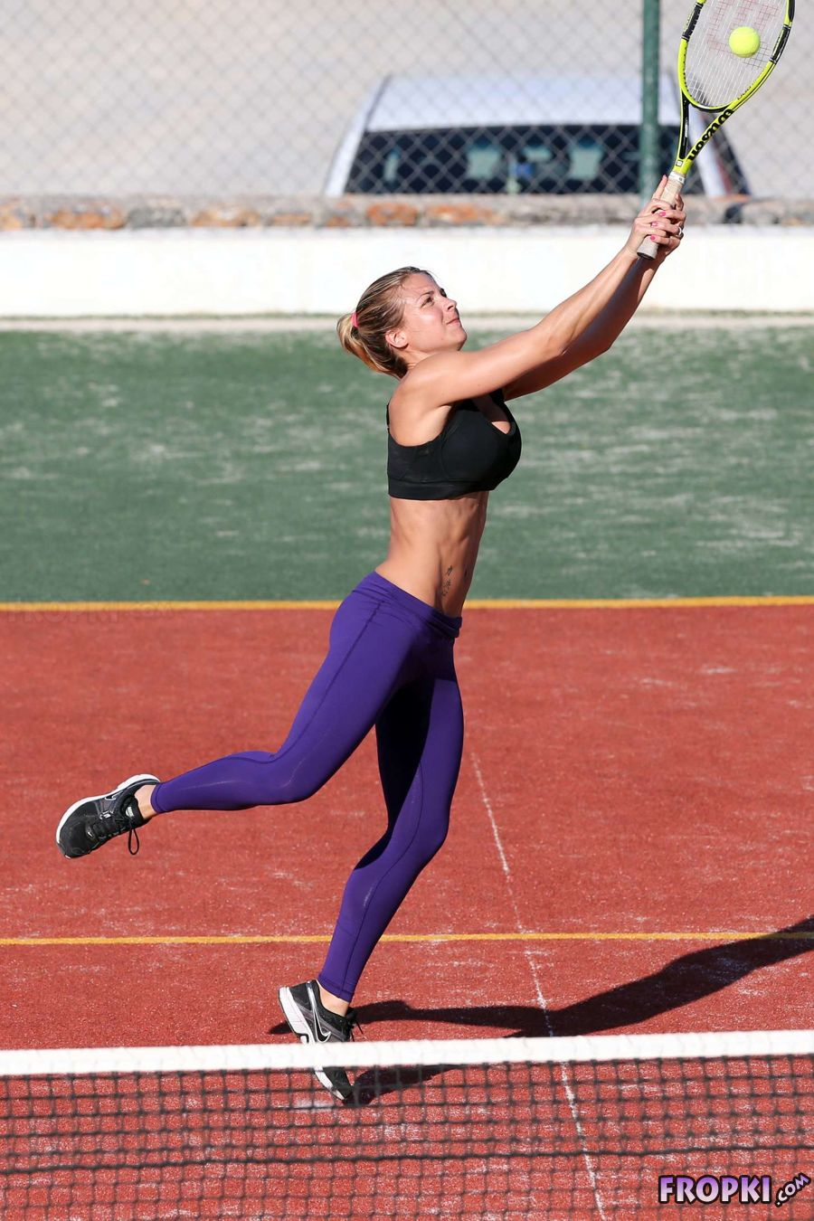 443a16140a154 Gemma Atkinson Playing Tennis in Sports Bra - Page 17