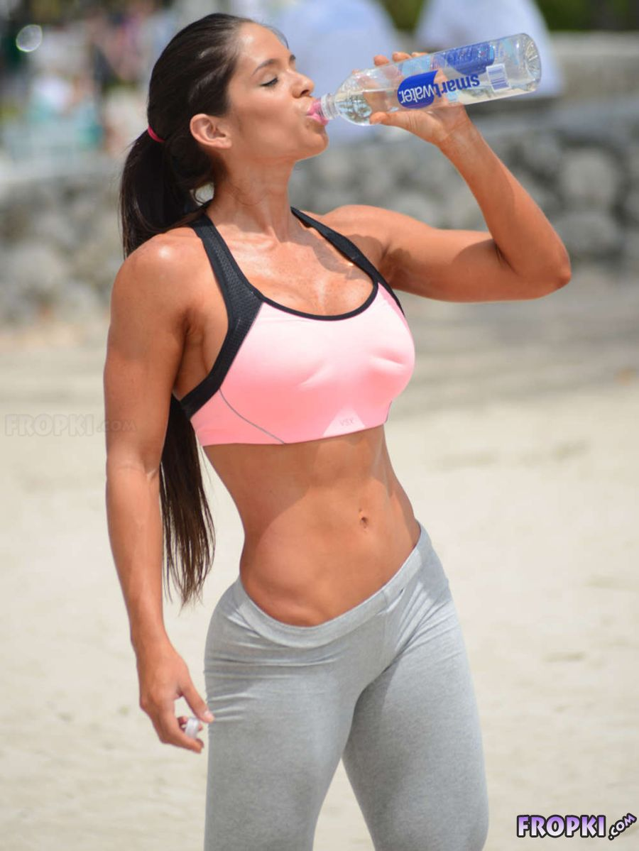 Michelle Lewin - Works Out in Miami