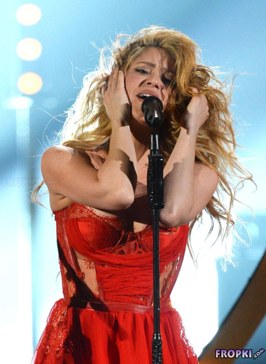 Shakira - Academy of Country Music Awards in Vegas