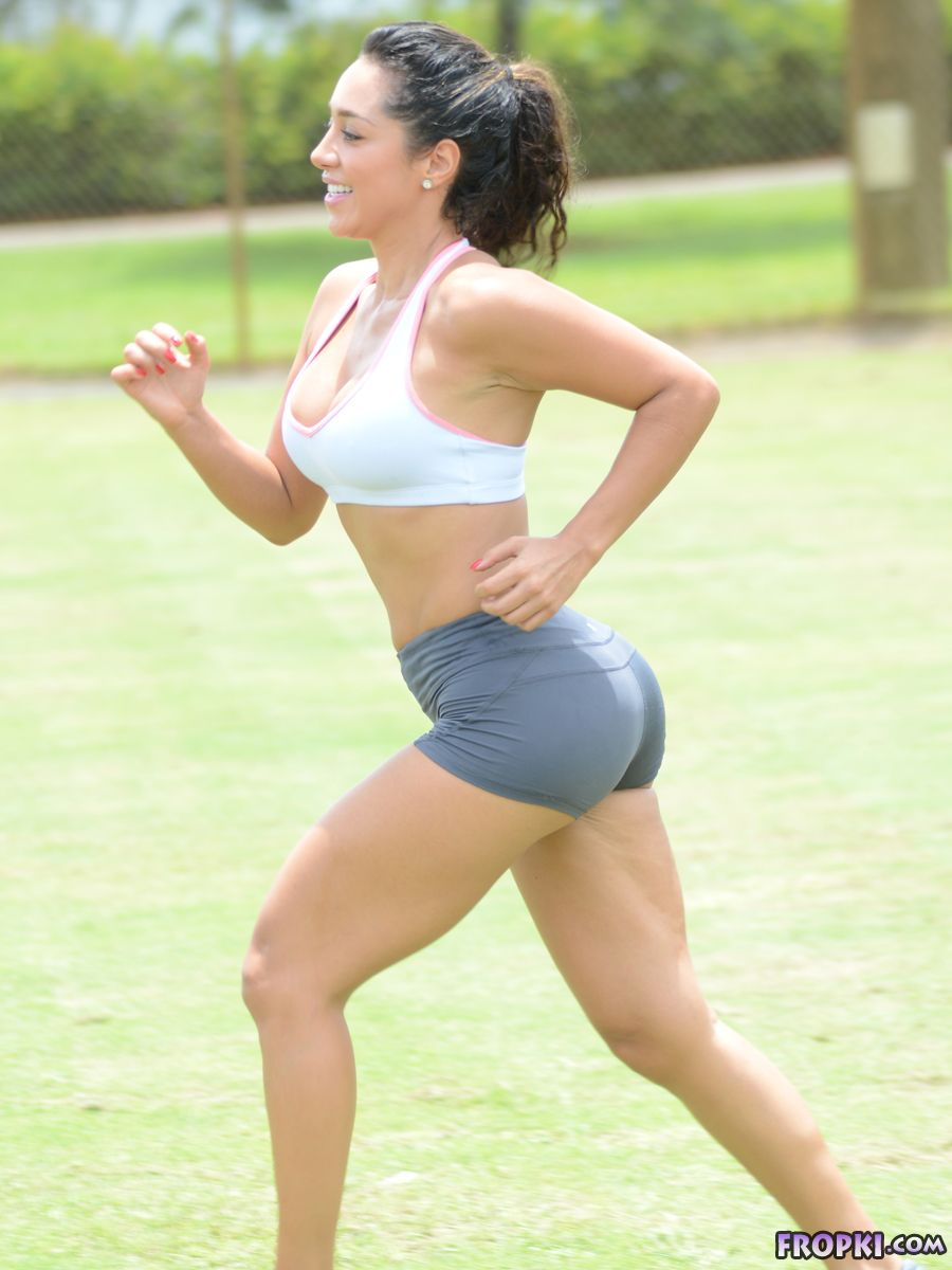 Andrea Calle - Work Out at a Park in Miami