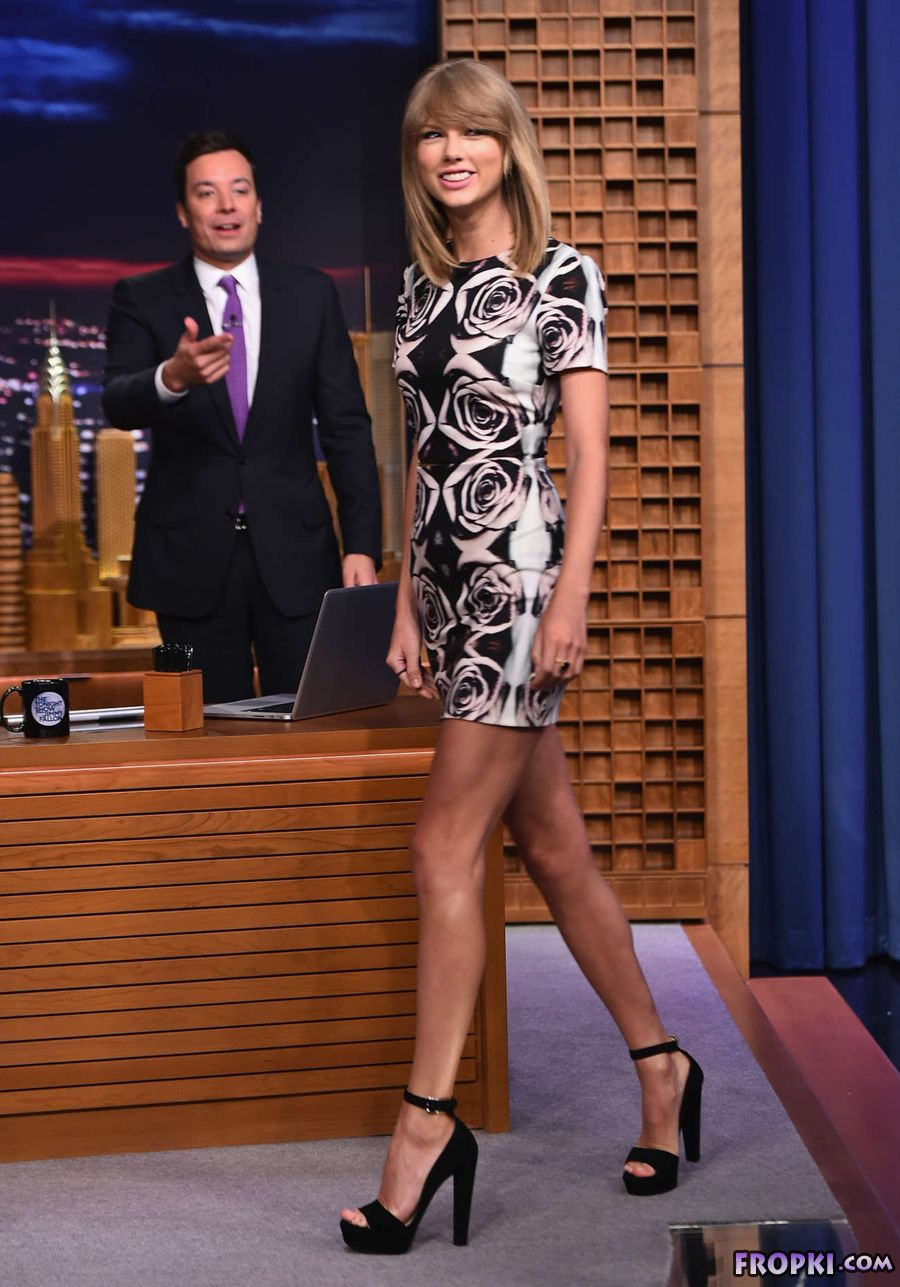 Taylor Swift at Tonight Show with Jimmy Fallon