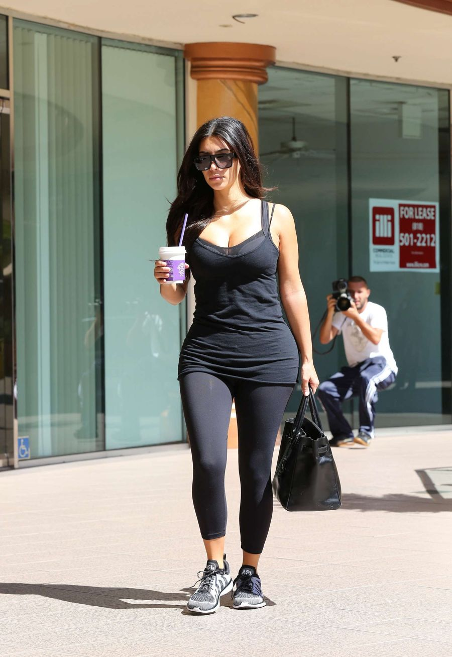 Kim Kardashian - Going to a gym in Calabasas