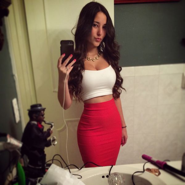 Cute Photos of Angie Varona