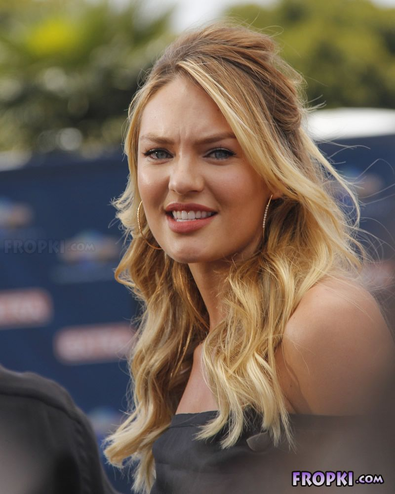 Candice Swanepoel's interview-Universal CityWalk