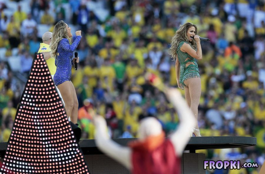 Jennifer Lopez Rocks at 2014 FIFA World Cup