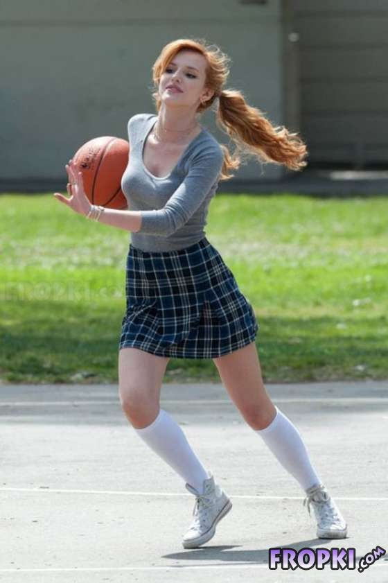 Sexy Bella Thorne Playing Basketball in LA