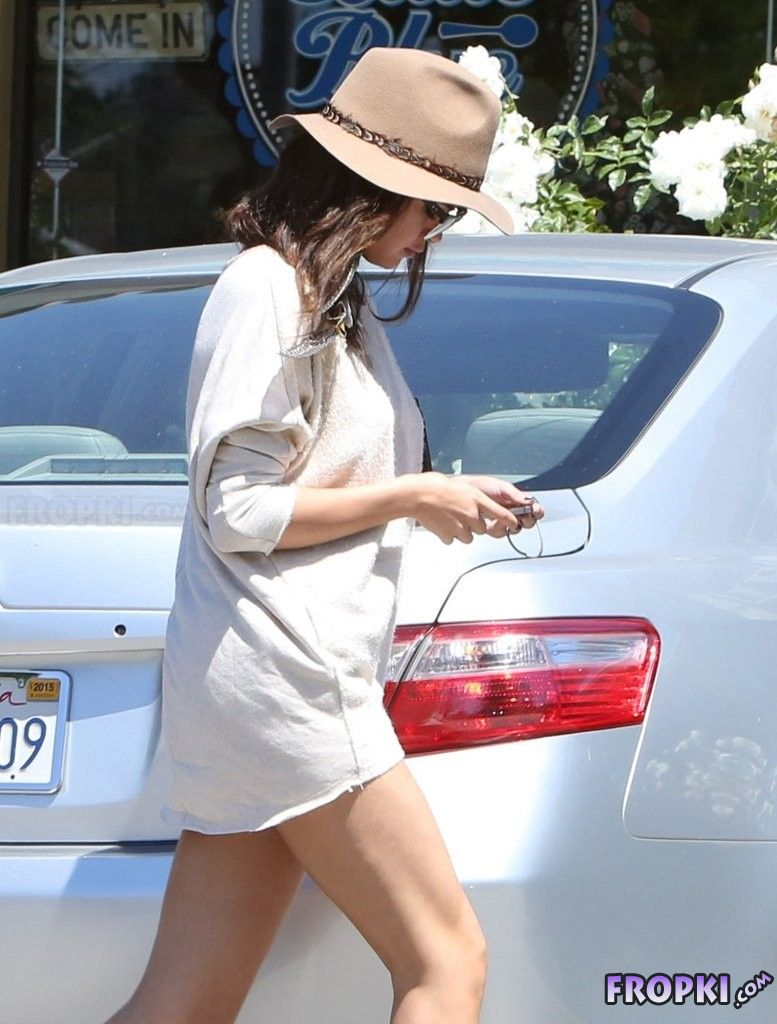 Selena Gomez out in Woodland Hills