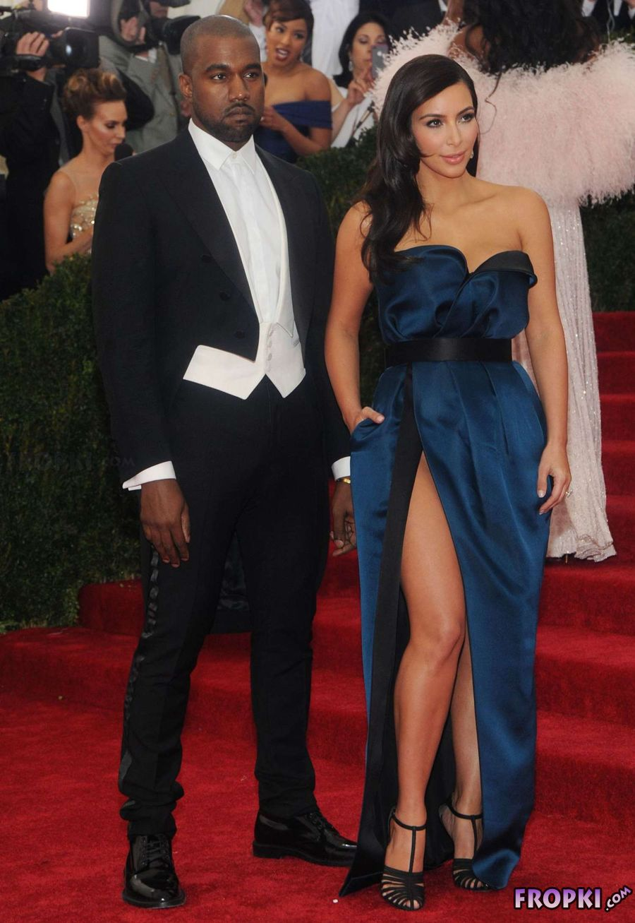 Kim Kardashian graces 2014 Met Gala in Blue