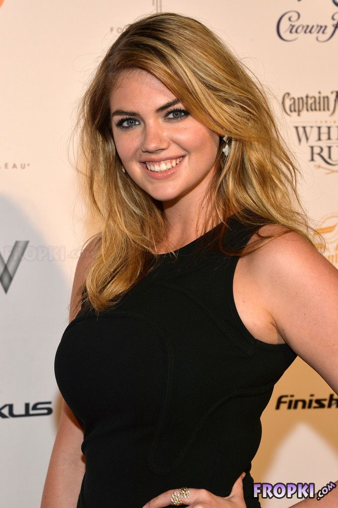Club Sports Illustrated 2014 Party at Nightclub