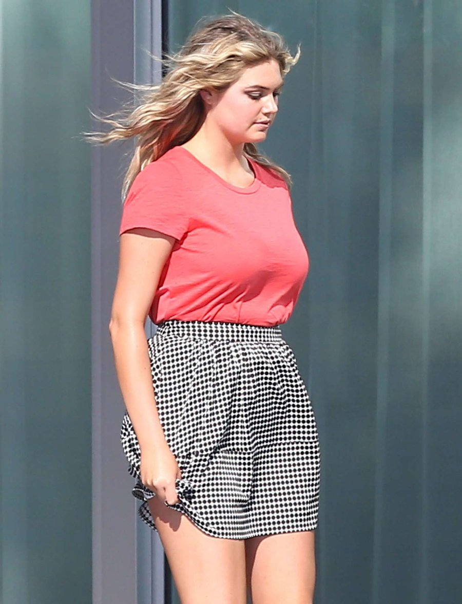 Kate Upton does a Marilyn Monroe in Miami