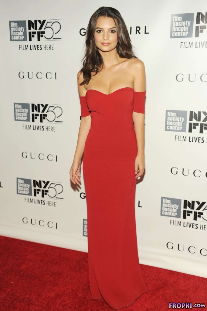 "Emily Ratajkowski - ""Gone Girl"" Premiere in New Yo"