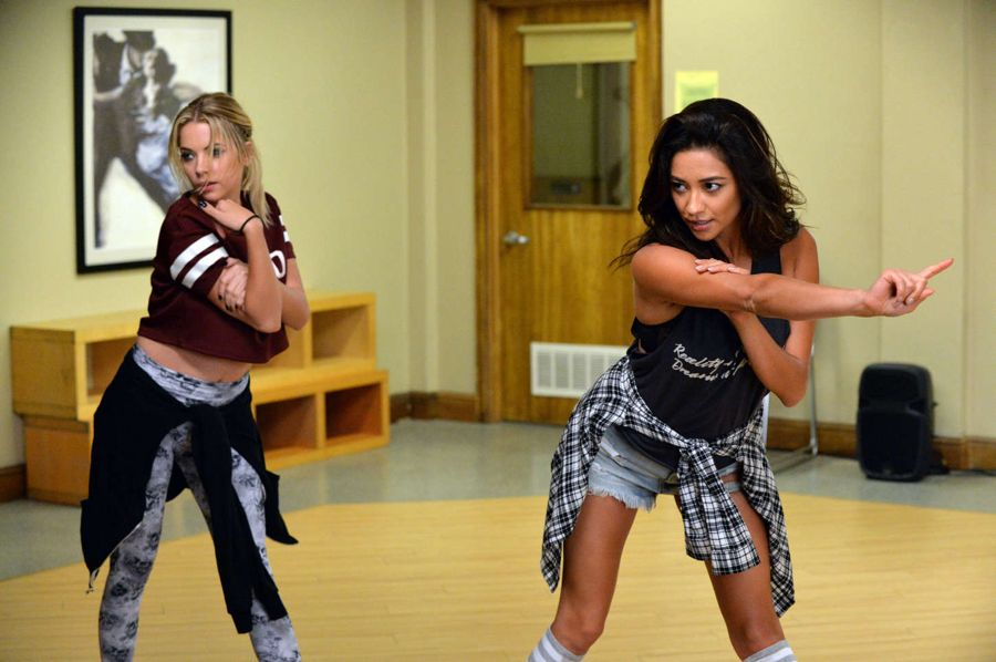 Shay Mitchell Dancing in Pretty Little Liars Season 5