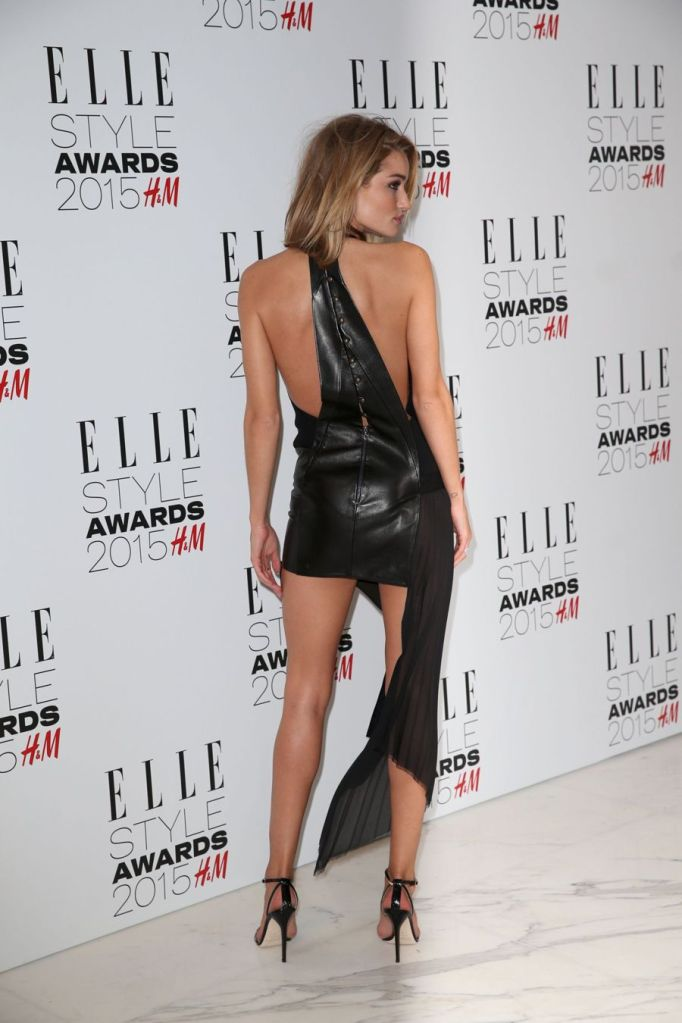 Rosie Huntington Whiteley's Playful Display at Elle Awards