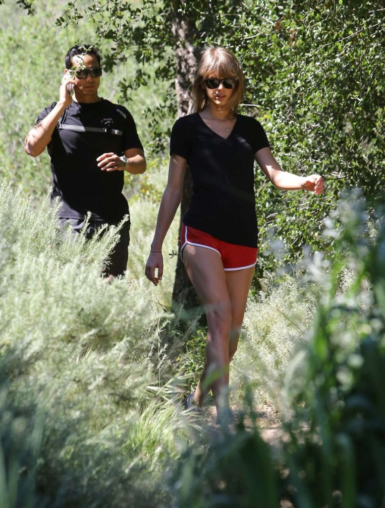 Taylor Swift Goes on an Action-packed Hike in Malibu