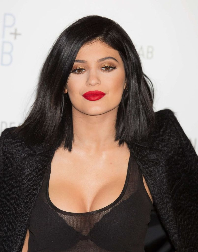 Is This Outfit Appropriate for 17 Yr Old Kylie Jenner?