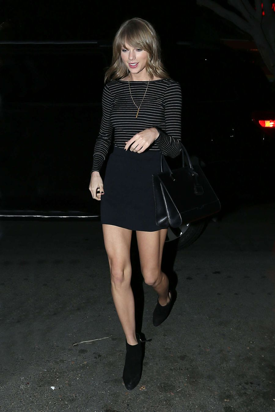 Taylor Swift Goes on Night of Adventures in Hollywood